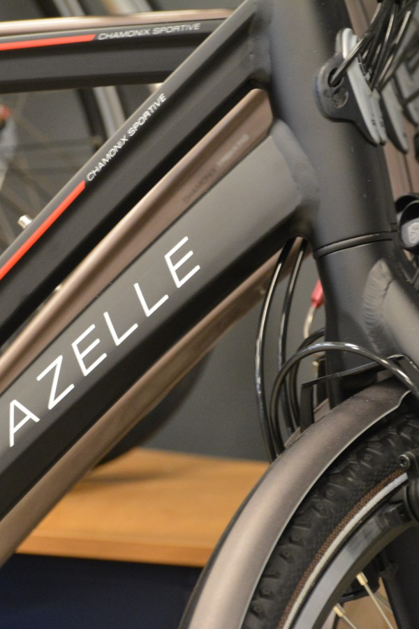 Logo Gazelle op fietsstang