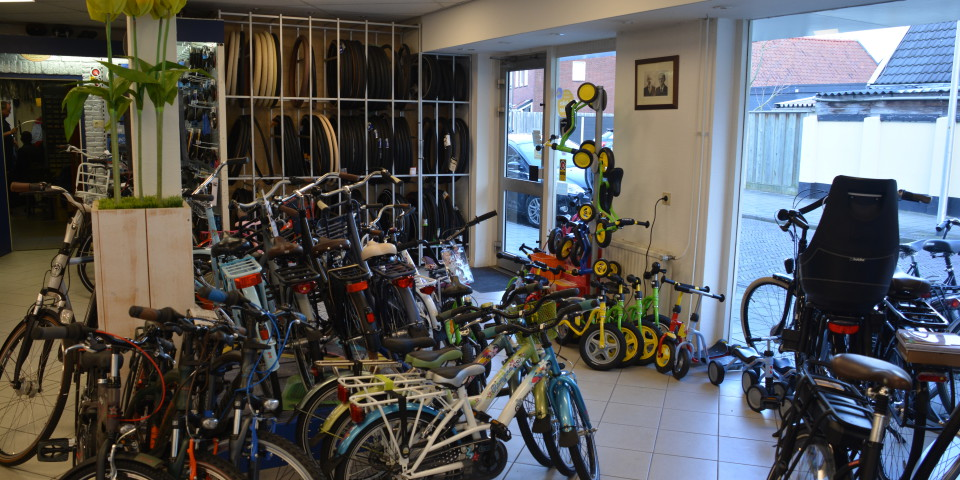 overzichtsfoto winkel Holtkamp Tweewielers Hengelo